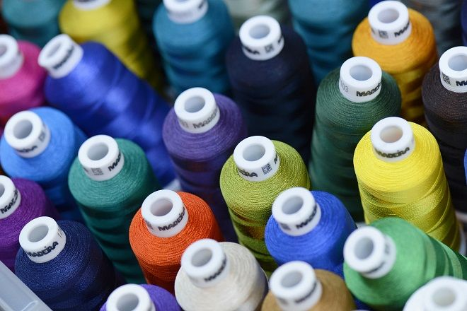 Sewing Thread Selection in Garments Noor Ahmed Raaz B.Sc. in Textile Engineering (CU) Specialized in Apparel Manufacturing Merchandiser A.M.C.S Textile Ltd (AEPZ) Email: raju.uttara105@gmail.com &n…