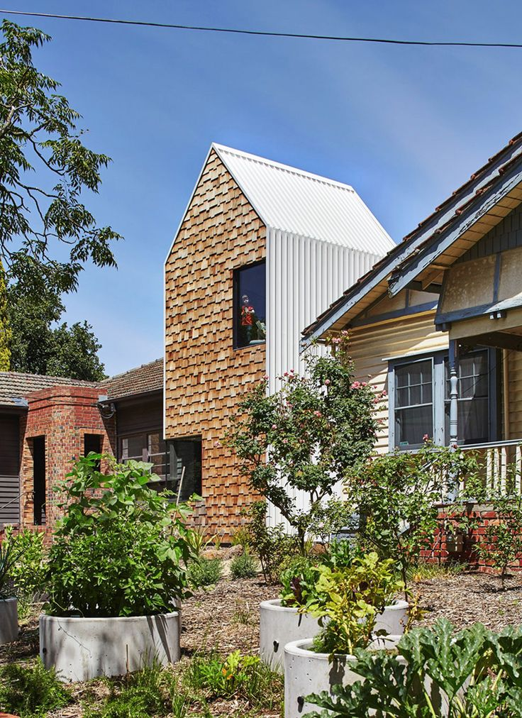 Balanced Features Of The Tower House In Victoria Australia Build Your