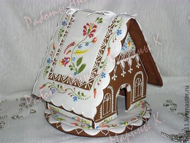 Gingerbread house with folk art motif by maro at Cookie Connection