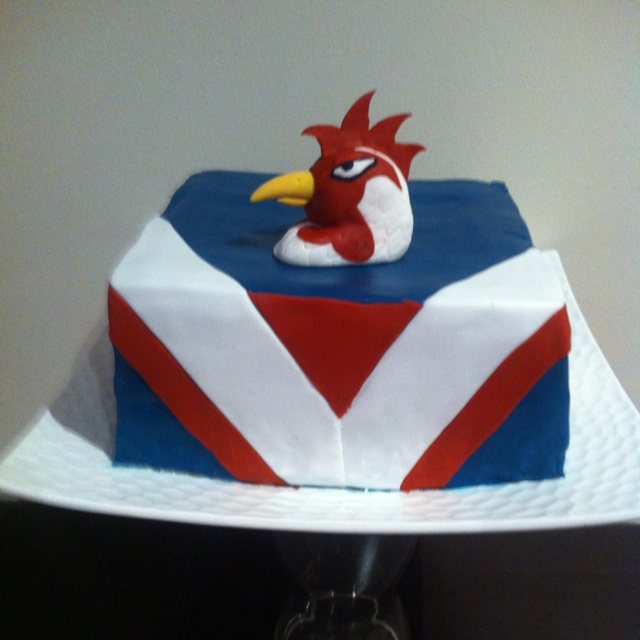 Cake Decorating Central Nsw : Sydney Roosters NRL Birthday Cake. Cupcakes n cake ...
