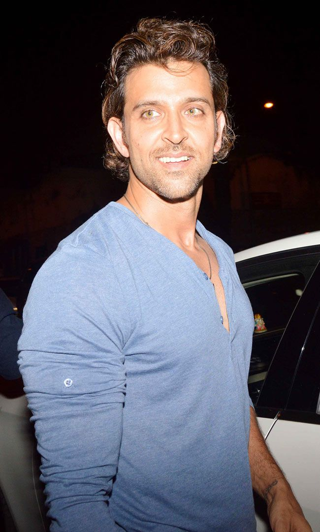 Hrithik Roshan spotted on a dinner outing with Hollywood director Rob Cohen. #Style #Bollywood #Fashion #Handsome