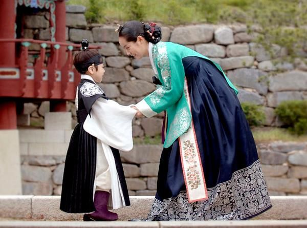 Yi san lee san wind of the palace