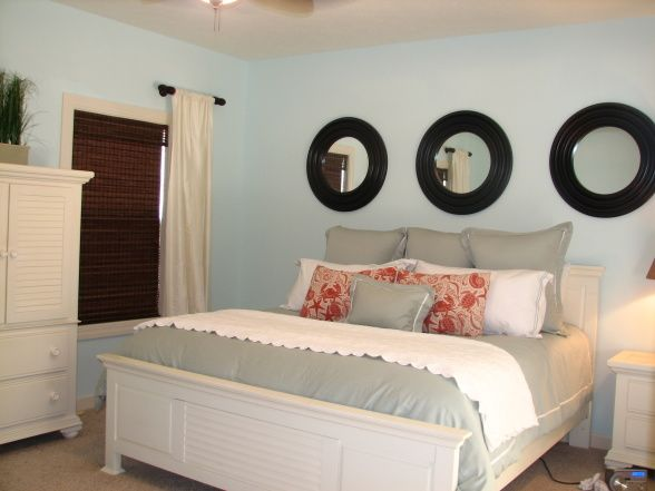 like the circle mirrors above the bed for the home home bedroom rh pinterest com