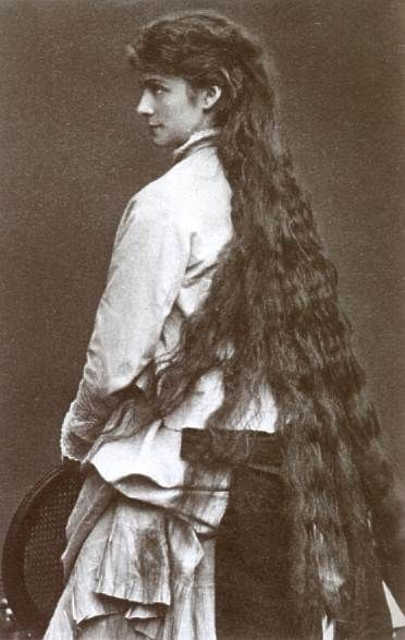Sophie (1847-1897) was a sister of Elisabeth, Empress of Austria. She had been the fiancée of the Bavarian king Ludwig II, but instead married the Duke of Alencon. Her brown hair reached knee-length. (Private photo, 1871)