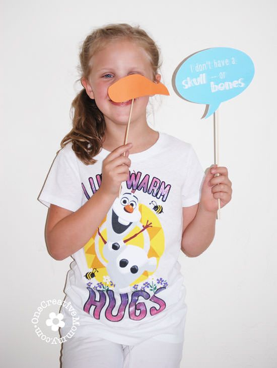 Frozen Printables {Frozen Photo Booth Props} OneCreativeMommy.com