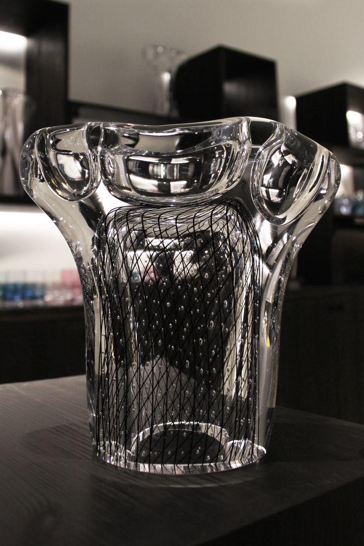 Sadekuuro glass artwork by Master Glassblower Kari Alakoski.