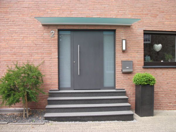 Vordach DURA ein freitragendes Vordach | GLASPROFI24