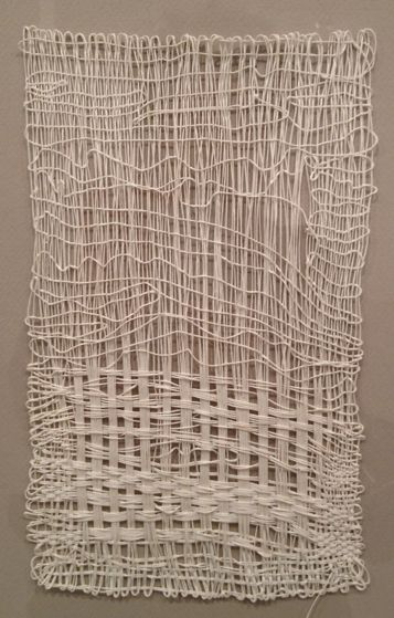 sheila hicks weaving  disegno irregolare fili che intervengono su superficie #ART