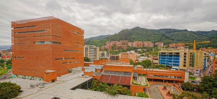 Gallery of Santa Fe de Bogotá Foundation / El Equipo de Mazzanti - 24