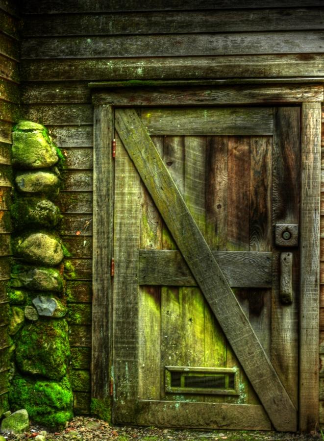 фото заколоченная дверь такое резистор печки