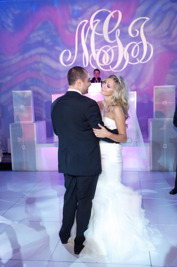 wedding ceremony new york city%0A Real Wedding  Magical Elegance in New York City   Done Brilliantly   Lighting by Zach