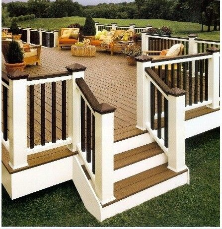 This is a hott deck... Makes you want to spend all your time outside enjoying the green space.