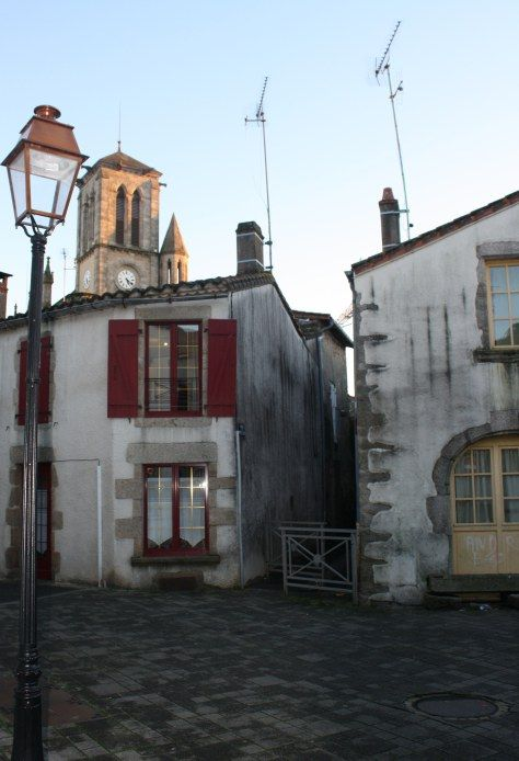 Small town France living.  Living in Montaigu | 23SoupDumplings