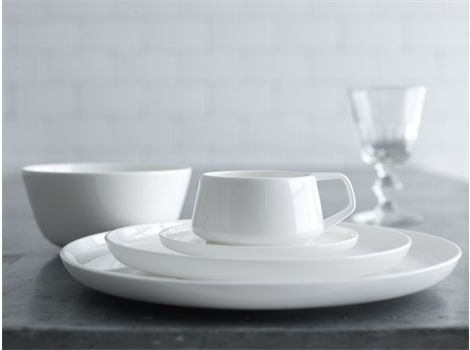 Since 1904 #Noritake has been bringing beauty and quality to dining tables around the world. | #thomasjewellers