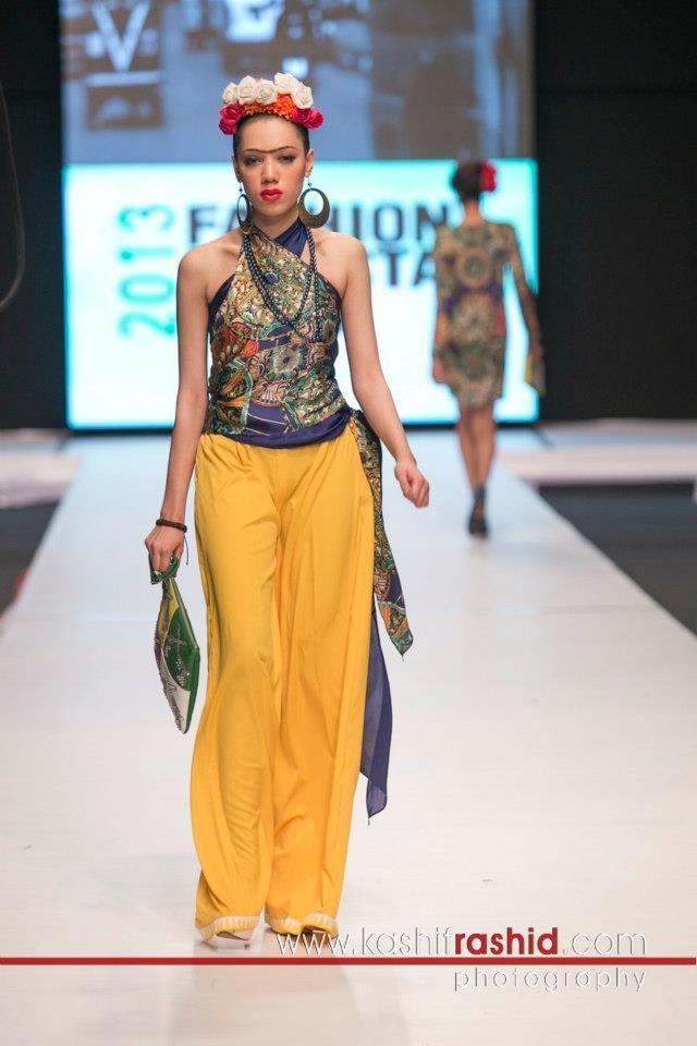 2013 Pakistani Fashion Week 5 Photos By Deepak Perwani 3 | LONG ...