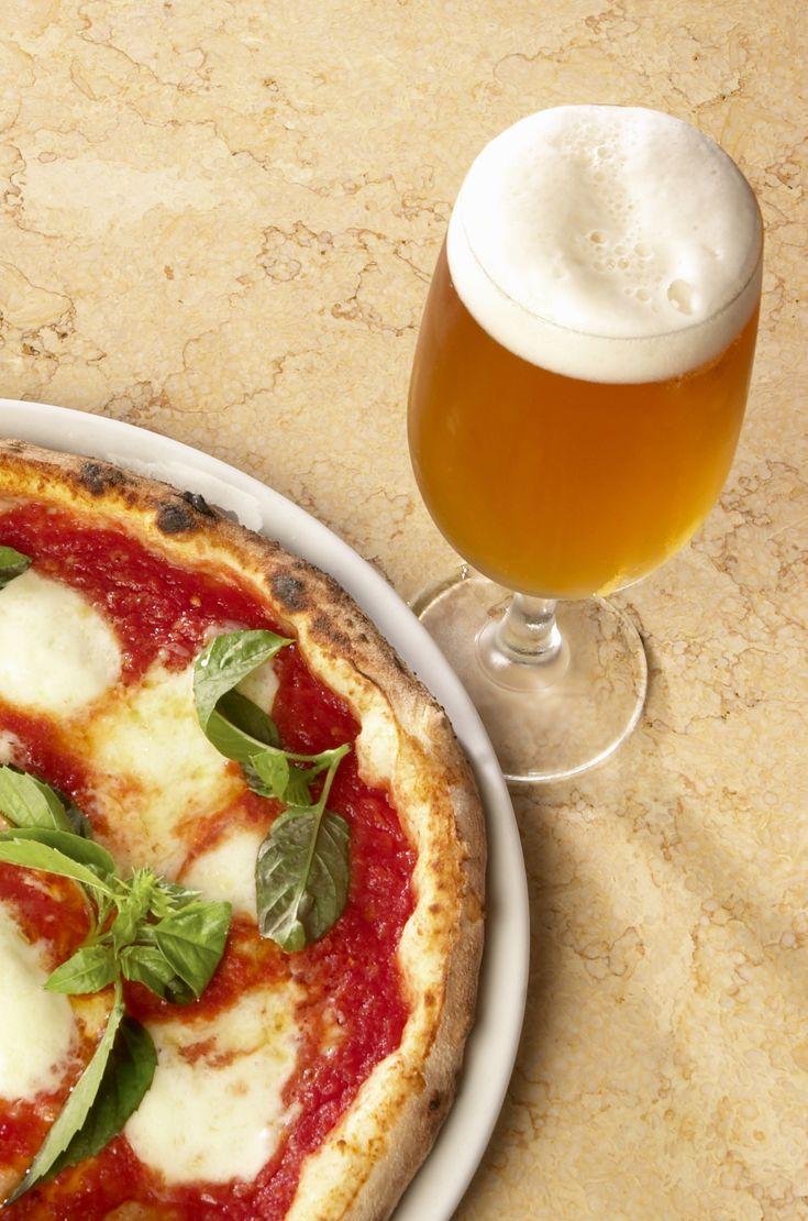 """Ogni pizza vuole la sua birra: la pizza Margherita """"chiama"""" una Pils! #birraiotadoro #abbinamenti #pizza"""
