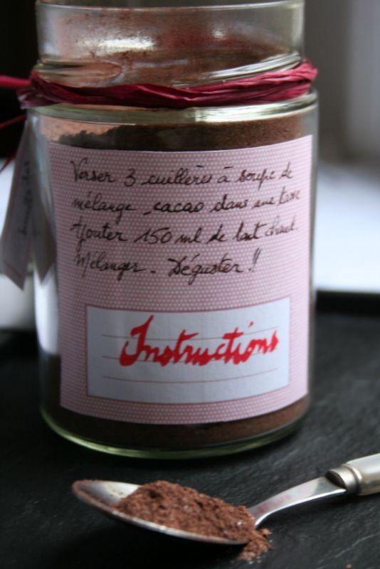 Réservé exclusivement auxamateursde VRAI chocolat chaud, celui confectionné avec du vrai chocolat et pas seulement de la poudre caca...