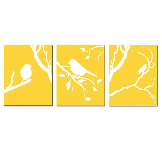 Uccello moderno Trio - Set di tre 8 x 10 coordinamento uccelli su un ramo stampe - Scegli i tuoi colori - mostrati in grigio, giallo, rosso e più