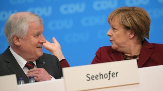 CDU-Parteitag: Seehofer kann Seitenhieb an Merkel nicht lassen