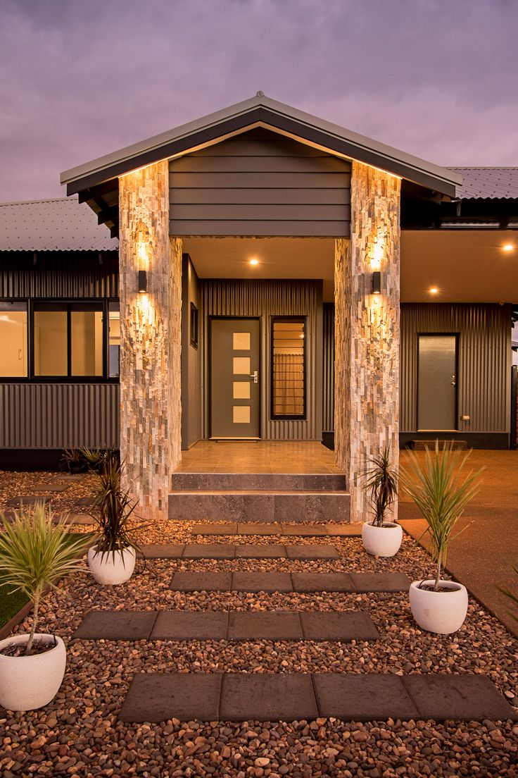THE WALCOTT FEATURE ENTRY CONNOLLY HOMES BROOME