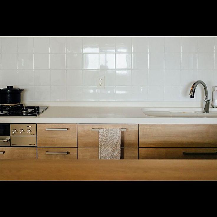 キッチンの背面収納 おしゃれで機能的なアイデア 実例画像50選 Yotsuba よつば 厨房 設計 キッチン間取り ブルックリンスタイル キッチン