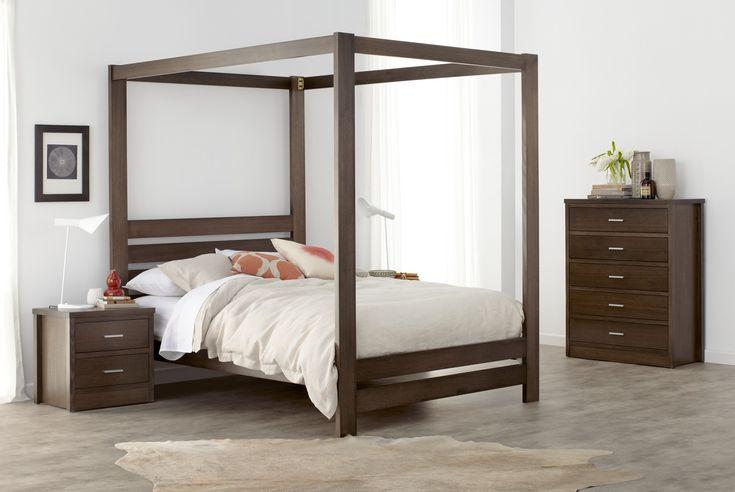 springwood dark four poster wood grain bedroom furniture