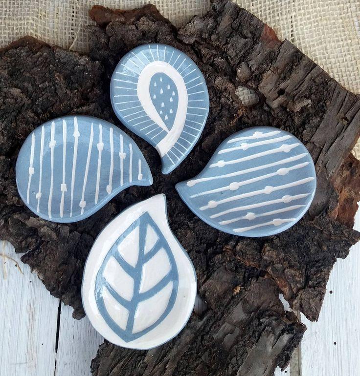 Poggia bacchette / Japanese chopstick rests / decorazione geometrica a graffito / geometric decoration / blue and white di QBceramics su Etsy