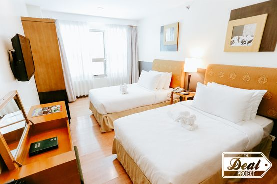 The Deal Project - 3 Bedroom Penthouse Suite for 6 with Breakfast at One Tagaytay Place Hotel Suites