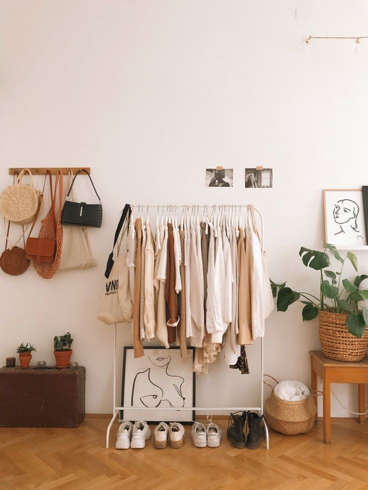 Clothes storage in the shared room