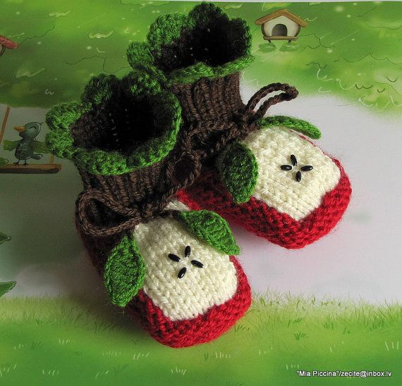 Knitted Baby booties Two Apple halves baby shoes por MiaPiccina