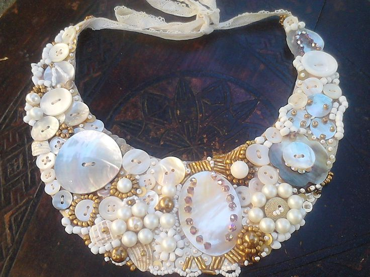 Button pearl necklace / vintage/ mirelamohjazi.breslo.ro)