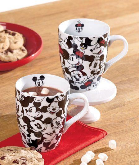 US$ 8 preço médio sem frete e sujeito à alteração sem qualquer aviso. Mickey and Minnie Mouse Mug Set