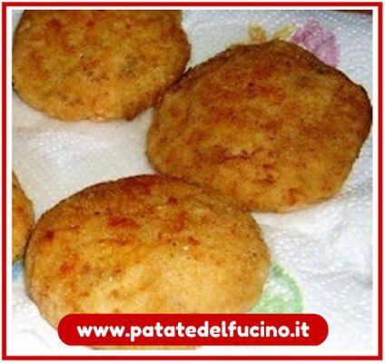 Con le patate si può fare di tutto, anche le cotolette!  La ricetta delle cotolette di patate > http://bit.ly/cotolette