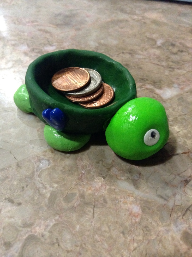 Clay coin holder ( turtle) really cute love it really easy ...