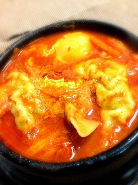 今夜は1人なので楽チンご飯にしましたぁ( ›◡ु‹ ) - 12件のもぐもぐ - 餃子スンドゥブ♡ by mizutamachan