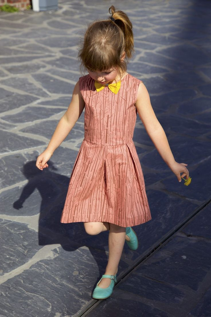 Do you know the Judith dress pattern? Probably not! It's my new sewing pattern for girls (1 – 10 yo) and guess what... IT'S FOR FREE!!! Really!!! You can just hop over to the shop and get your free PDF version right now. Or it might be a good idea to... #bowcollar #freesewingpattern #judithdress