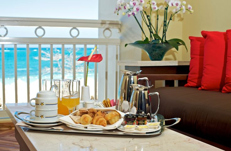 Breakfast in bed!  To book your stay at the Iberostar Rose Hall Resort, speak to one of our Vacation Specialists at 1-888-685-6888 or read our blog for more: http://ow.ly/EH7q1.