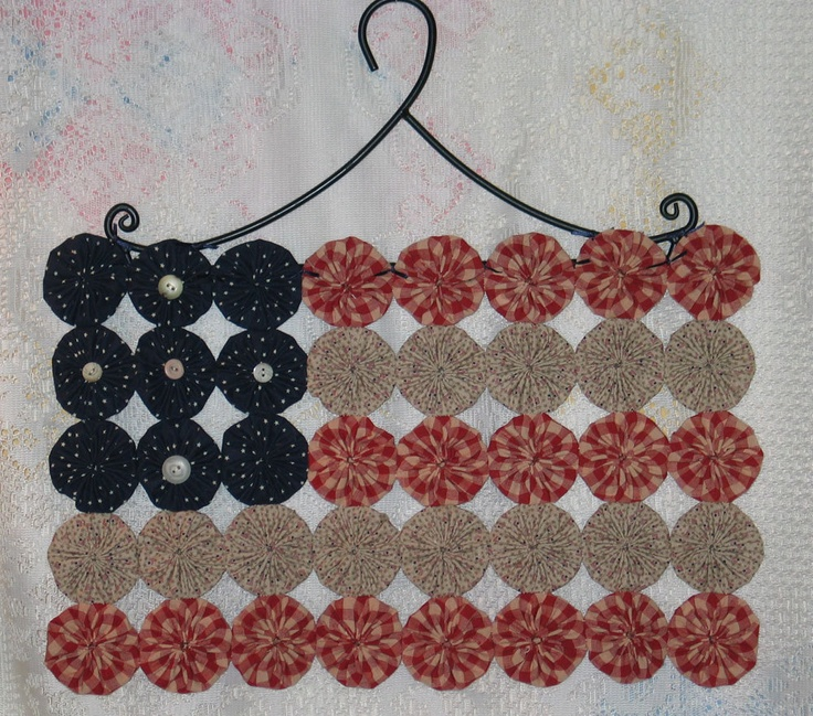 ~ Patriotic Flag Yo Yo Wall Hanging ~