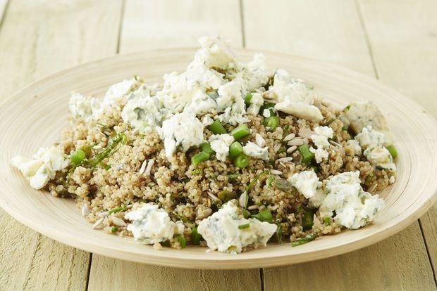 Quinoasalade met groene boontjes en blauwe kaas
