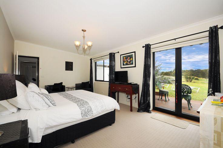 Tea Tree room, king bed with beautiful garden views Mornington Peninsula Accommodation   Harmony Bed & Breakfast