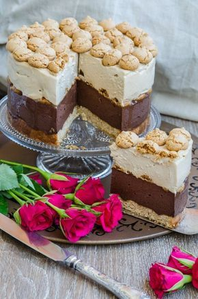 De tortul asta cu ciocolata si amaretti ma leaga niste amintiri tare placute! L-am pregatit cu drag cu ocazia aniversarii noastre,...