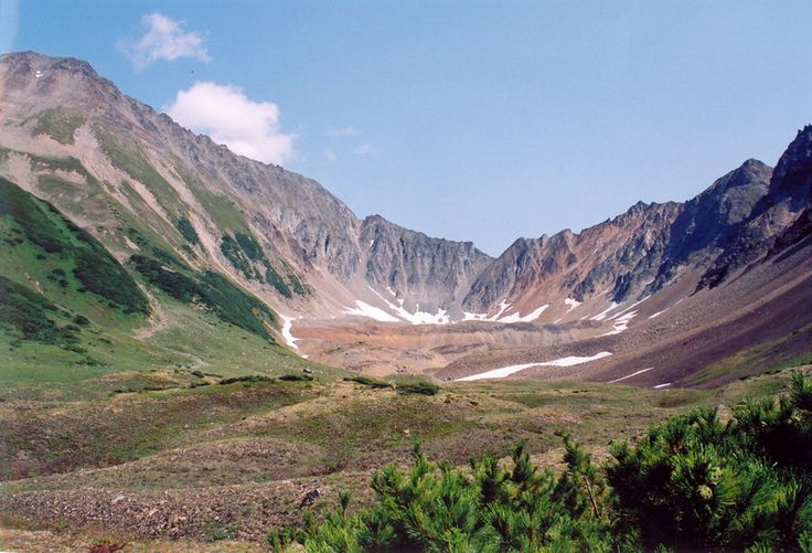 The Kamchatka discovery tour takes travelers above and beyond some of Kamchatka's most spectacular sights, encountering raw nature and wildlife.