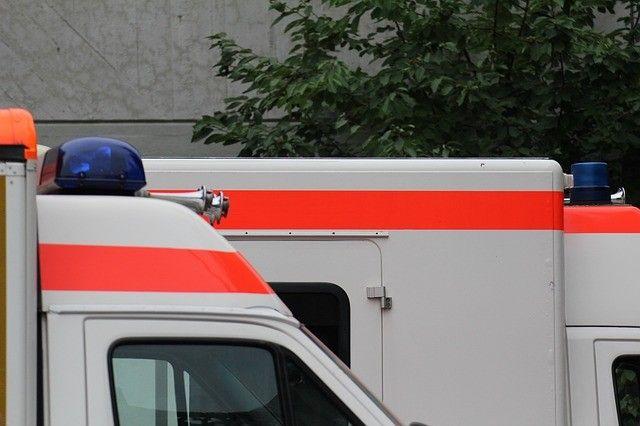 Duisburg Hochfeld: Feuerwerkskörper explodiert im Auto