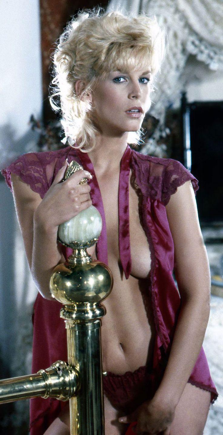 nude regina cassandra