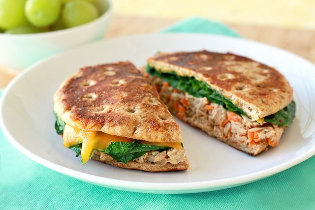 Ranch-ified Tuna Panini / This low fat, low calorie tuna sandwich recipe gets a punch of flavor from Starkist Tuna Creations Ranch, a tasty blend of tuna seasoned with buttermilk, garlic and herbs - just like the salad dressing! #HealthyandEasy @Hungry Girl