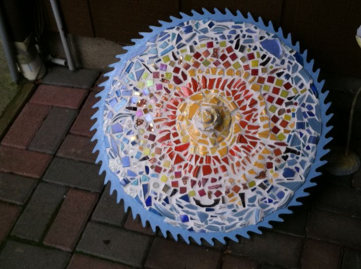 old saw crafts | Old saw blade mosaic | Crafts | Pinterest