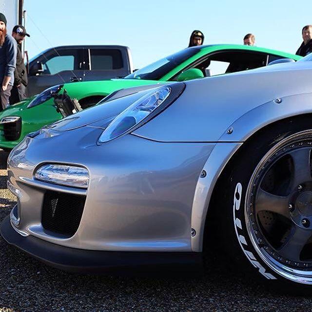 Gas Monkey garage use our JT Mode body kit for Porsche997! アメリカで大人気のGas Monkey Garageより依頼があり、JT Modeのボディキットを送り、完成! 10月28日に放送されました! アメリカの番組でポルシェなのに、日本のボディーキットが採用されたのは初めてじゃないかな。 自分がデザインしたオーバーフェンダーが採用されたのは、光栄です。  #kamiwazajapan #porsche #porsche964 #porsche930 #porsche993 #porsche996 #porsche997 #rwbporsche #rwb #rauhwelt #rauhweltbegriff #illest #hellaflush #fatlace #ポルシェ #porschemotorsport #armygirl #gtporsche #jtmode #gasmonkey