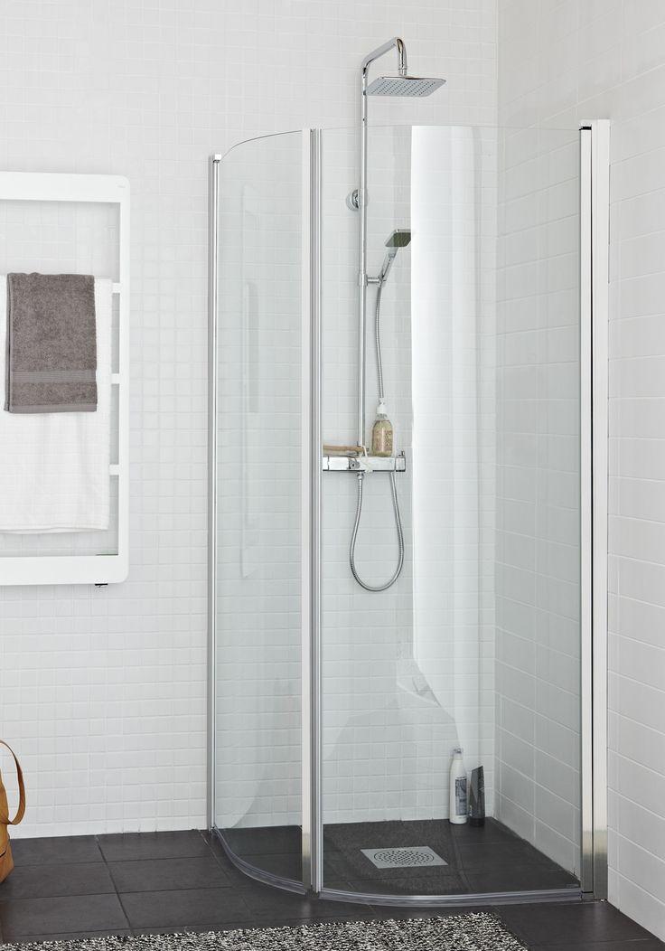 Hafa Original R Krom Duschhörn. Stilren välvd duschhörna med 6 mm härdat säkerhetsglas och eleganta profiler i vitt eller krom. Integrerade längsgående handtag med kraftig magnetlist. Smart konstruktion lyfter dörrarna 3 mm vid öppning för att inte de skall ta i golvet. Duschdörrarna kan fällas inåt för att spara utrymme när duschen inte används.