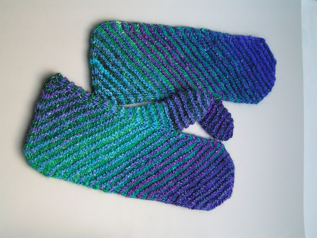 Ravelry: Colorful Mittens pattern by Ruth Sorensen
