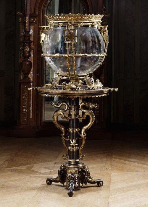 「1880年頃に造られたヴィクトリアン調のアクアリウム(水槽)はこんなデザイン」:らばQ